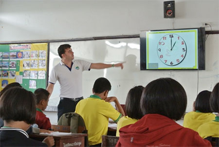 English teaching class with Thai students.